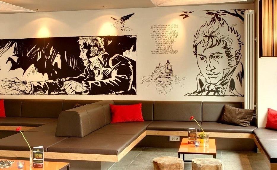 рисунки в стиле манга на стенах